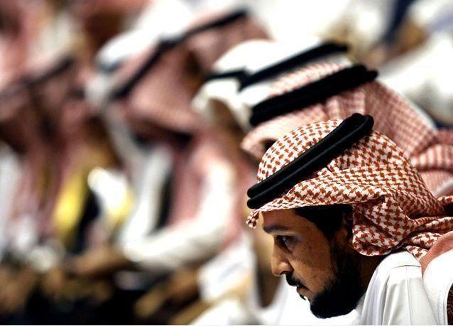 البنوك السعودية تنفي تطبيق الفائدة التناقصية على القروض وتؤكد أن الفائدة المركبة في صالح العميل