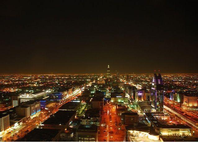 وزارة المالية السعودية تطالب الجهات الحكومية بالالتزام بالصرف وفقاً للميزانية وتهدد باتخاذ الإجراءات النظامية ضد المخالفين