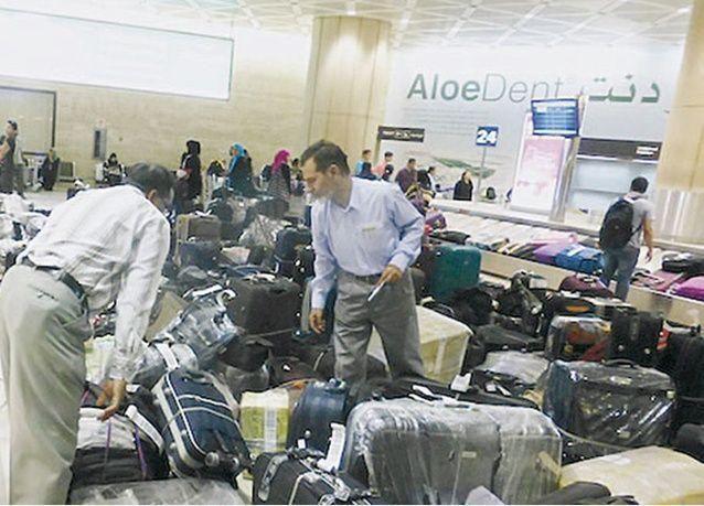 رصد مخالفات للشركة السعودية للخدمات الأرضية تتضمن عشوائية تحميل العفش على الطائرات