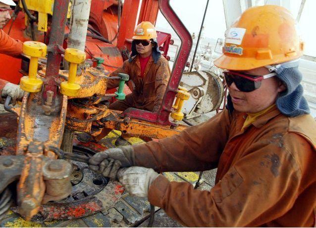 السعودية والكويت تعتزمان إعادة فتح حقول النفط بالمنطقة المحايدة هذا الشهر