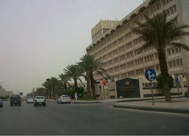 سجن رجل أعمال سعودي يرفض تسديد 3 ملايين ريال لشركة تقسيط