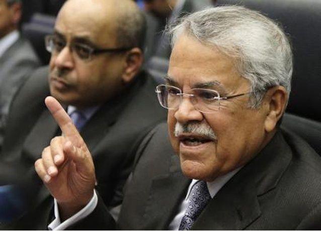 علي النعيمي رجل الأزمات.. باقٍ للحفاظ على ثبات السياسة النفطية السعودية