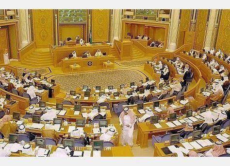 العاهل السعودي يوافق على مثول 3 وزراء أمام مجلس الشورى على خلفية ملفاتهم