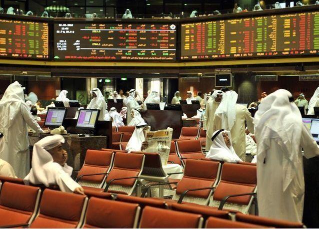 بورصات الخليج تتراجع وسط موجة بيع واسعة مع نزول النفط عن 50 دولاراً