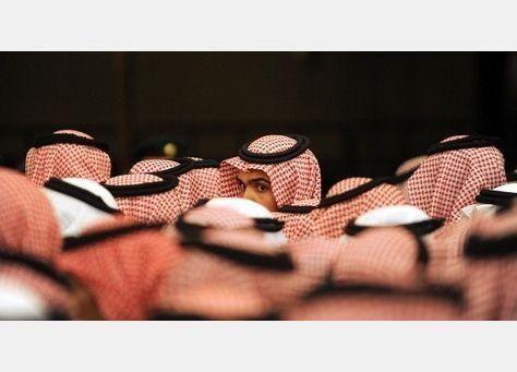 شبان سعوديون يطالبون بـ 5 آلاف ريال من شركات لم تستوف نسب السعودة