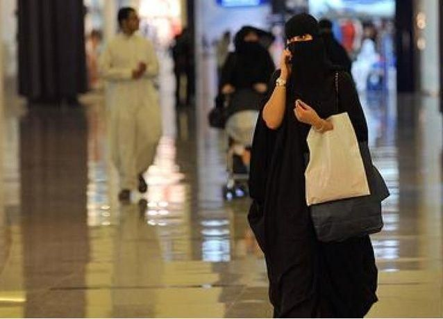 الرياض: تسهيل سفر السعوديات دون إذن ولي الأمر أو العمر