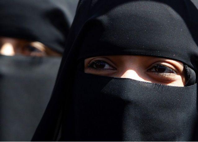إلغاء الشاهدين والمعرفين للسعوديات والاكتفاء بالهوية الوطنية