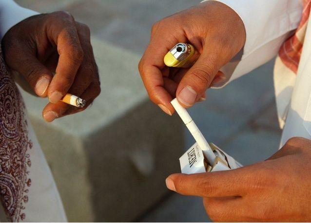 """السعودية : 50 مليون ريال يومياً على """"السجائر"""""""