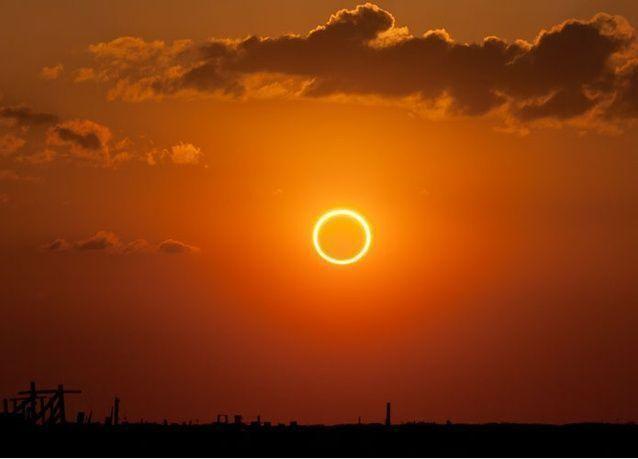 كسوف كلي للشمس يعم مناطق بالعالم