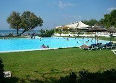 """مسؤول يصف السياحة في تونس بـ """"البغاء السري"""" ووزير السياحة يرفض التصريح"""