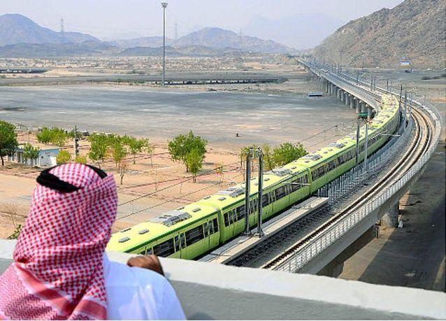موظفون في قطار المشاعر السعودي يرفعون دعاوى ضد الشركة المشغلة لتأخر صرف رواتبهم