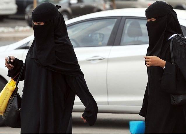 """الرياض تلغي """"غير مصرح لها بالعمل"""" لزوجة السعودي"""