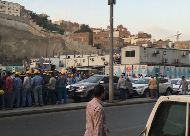 عمال بمجموعة بن لادن السعودية يطالبون بأجور متأخرة