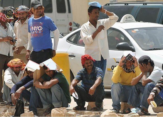 وزارة العمل السعودية تسمح للوافدين بنقل خدماتهم دون موافقة شركاتهم.. بشرط