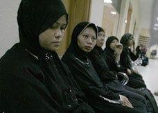 السعودية: تأجير خادمات بـ5 آلاف ريال في رمضان.. وارتفاع هروبهن إلى 120 حالة يومياً