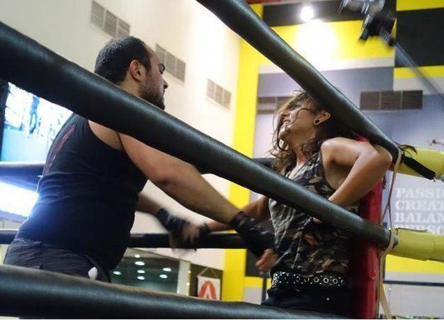 المصارعة المحترفة الوحيدة عربياً.. ولدت بلبنان وترعرعت بالسعودية وتعيش بالإمارات