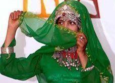 يمني يكافئ فاعل خير بتزويجه ابنته