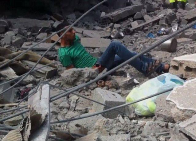 فيديو صادم لاستشهاد شاب فلسطيني يتعرض لنيران قناص اسرائيلي
