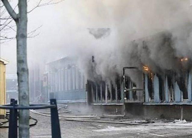 مستوطنون يحرقون مسجدا في قرية جنوب بيت لحم