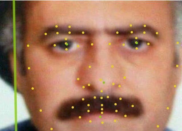 هل تم كشف هوية الداعية المطلوب أحمد الأسير من خلال جوازه المزور أم ببرنامج التعرف على الوجه؟