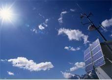 الصين تسعى لزيادة انتاج الطاقة الشمسية لأربعة أمثاله بحلول 2015