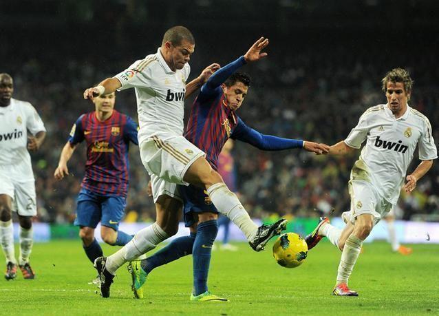 ريال مدريد يهزم برشلونة في كلاسيكو الدوري الاسباني
