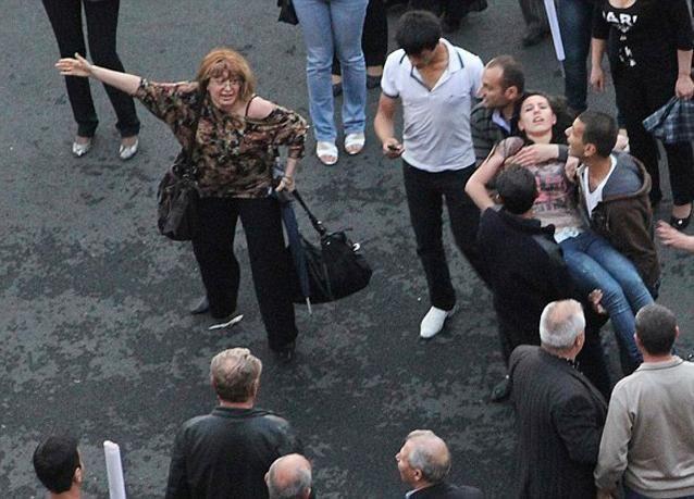 بالصور: انفجار منطاد أثناء احتفال في أرمينيا