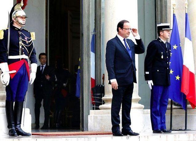 بالصور: محمد بن زايد يلتقي الرئيس الفرنسي هولاند في الإليزيه