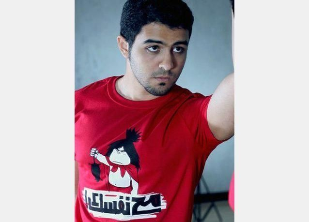 بالصور: فناتيل كونش تصاميم رائعة بالخط العربي، تسابق توجهات الموضة لتتحدث القمصان بالعربية