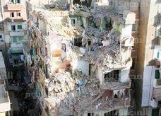 انهيار 4 عقارات بالإسكندرية بعد سقوط عقار مخالف علي 3 مجاورة .. وعشرات الضحايا تحت الأنقاض