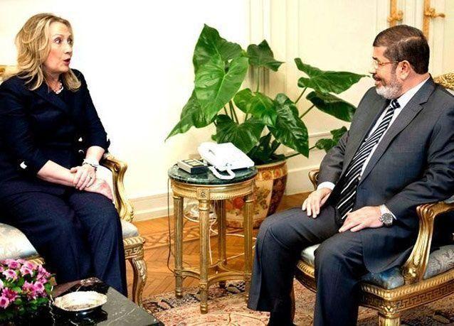بالصور: كلينتون تزور مصر وتلتقي بمرسي وطنطاوي