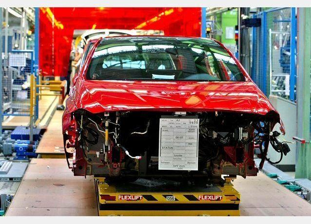 صور سيارة مارسيدس بينز فئة أي الجديدة
