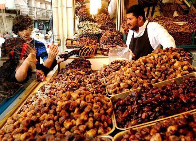 استعدادات المسلمين حول العالم لاستقبال الشهر الكريم