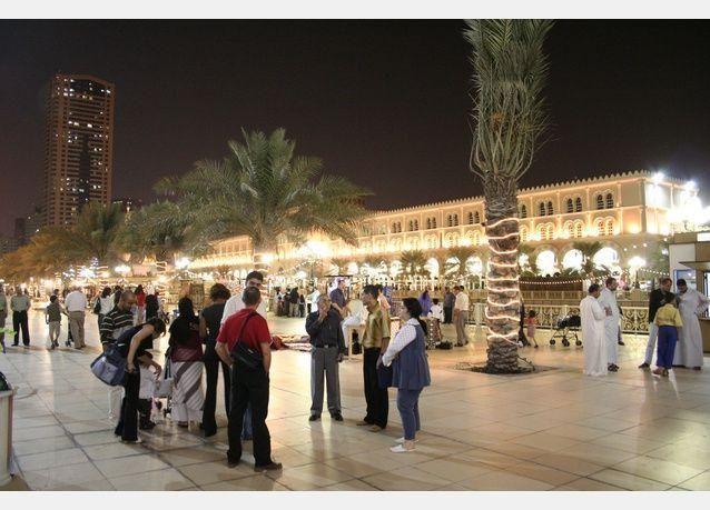 عروض تنافسية وفعاليات تنعش القطاع السياحي الرمضاني بالشارقة