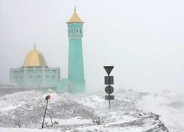 بالصور: أول جامع في القطب الشمالي