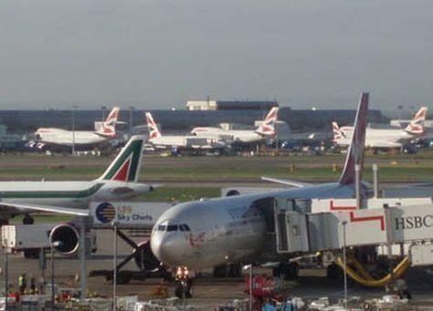 تأجيل اتخاذ قرار بشأن توسيع المطارات في بريطانيا الى ما بعد 2015