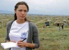 انجلينا جولي في مخيم الزعتري اليوم لدعم اللاجئين السوريين