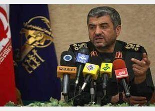 قائد ايراني يقول ان طهران قد تشن هجوما وقائيا على اسرائيل