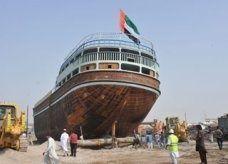 """""""عبيد"""" أول سفينة خشبية تجارية إماراتية الصنع للإبحار حول العالم"""