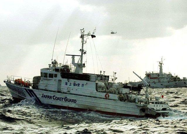 بالصور: معركة بالرشاشات المائية بين الأسطول التايواني والياباني