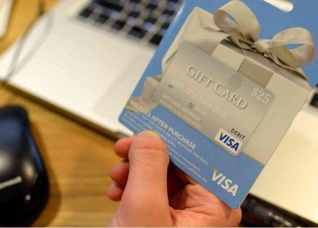 مسافرو الإمارات يعتبرون البطاقات المسبقة الدفع أكثر ملاءمة وأمانا