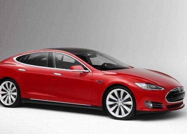 الولايات المتحدة تتحدى العالم بصناعة السيارات وتطلق السيارة تسلا 2013