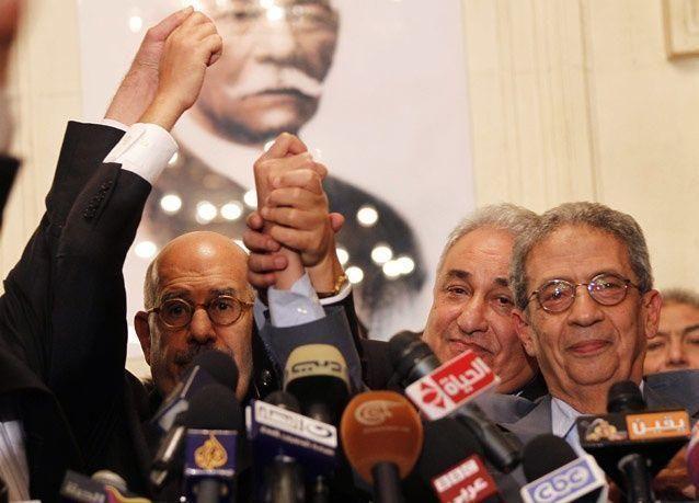 """صحف: مواقف الساسة المصريين من الاستفتاء ومقابلة مع قتلة الجعبري و""""كردستان على بعد خطوة من إعلان الدولة"""" و""""الوضع التونسي خطير"""""""