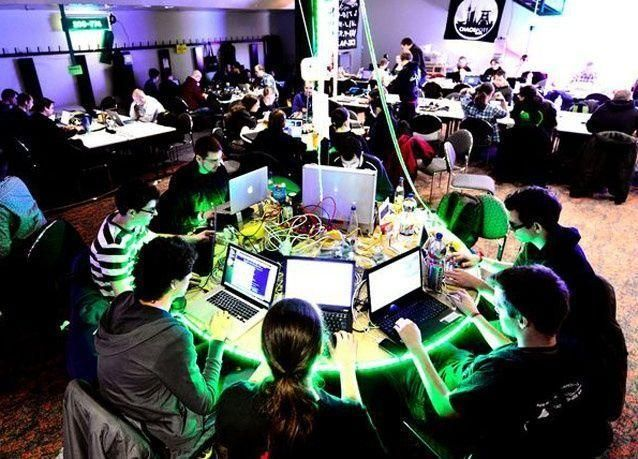 """بالصور: جولة داخل نادي القراصنة """"فوضى الكمبيوتر"""" في ألمانيا"""