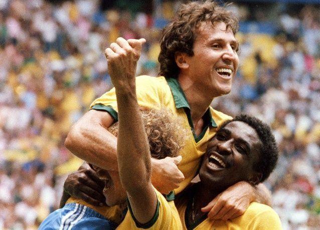 بالصور : البرازيلي زيكو يحتفل بعيده الستين
