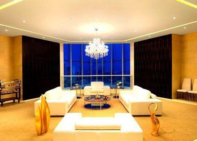 """بالصور: فندق """"رافلز دبي"""" أفخم فنادق دبي"""