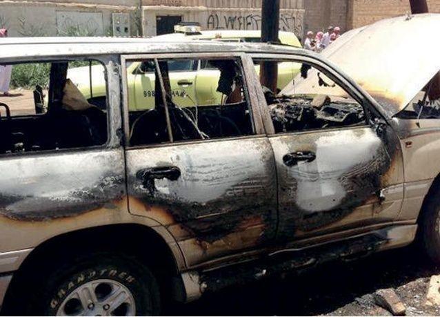 """امرأة سعودية متنكرة تحرق سيارة في """"تبوك"""""""