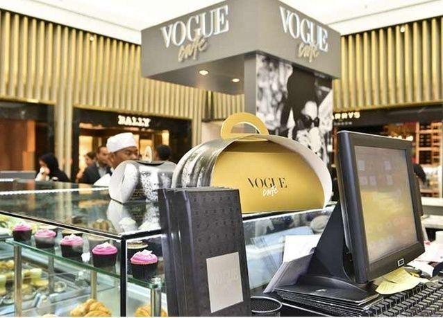 """صور حصرية لـ """"فوغ كافيه"""" في دبي مول"""