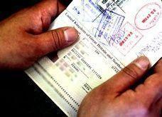 موافقة الكفيل شرط لعبور المقيمات من إمارة الشارقة إلى سلطنة عمان