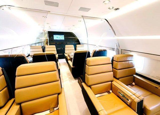 """جولة مصورة داخل طائرة """"رويال جيت"""" المطوّرة"""